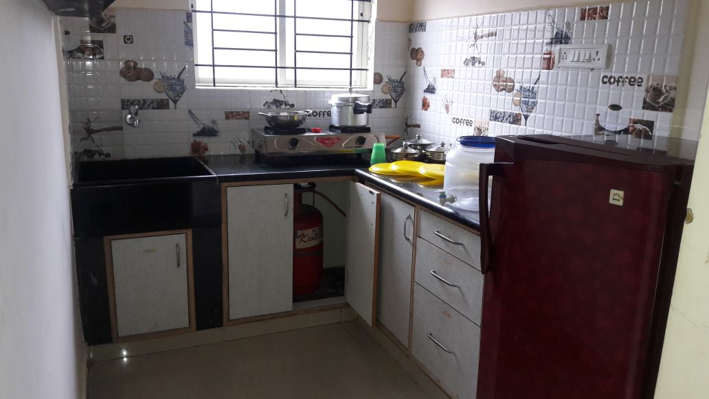 frige kitchen